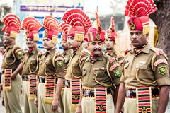 Petrapole-Benapole, Bangaon, le Bengale-Occidental, le 5 janvier 2019 : Cérémonie commune de retraite, exposition militaire de dé photo stock