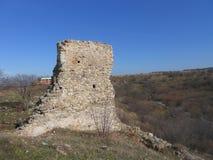 Petrichа fästning nära byn Razdelna Arkivfoto