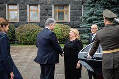 Petro波罗申科和马尔他总统玛里路易丝Coleiro Prec 免版税图库摄影