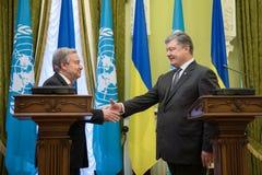 Petro Poroshenko και Η.Ε Γενικός Γραμματέας Antonio Guterres Στοκ Φωτογραφίες
