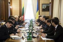 Petro Poroshenko και Dalia GrybauskaitÄ- Στοκ φωτογραφία με δικαίωμα ελεύθερης χρήσης