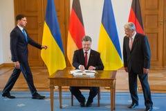 Petro Poroshenko и Joachim Gauck Стоковые Фотографии RF