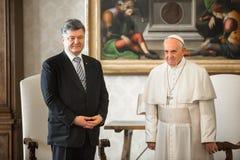 Petro Poroshenko e papa Francis Fotografia de Stock Royalty Free
