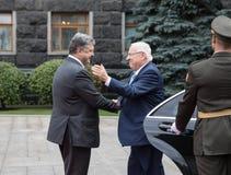 Petro Poroshenko e presidente di Israel Reuven Rivlin Immagine Stock
