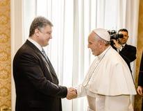 Petro Poroshenko en Paus Francis Stock Foto