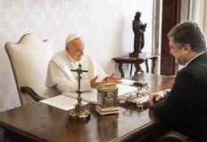 Petro Poroshenko en Paus Francis Royalty-vrije Stock Afbeelding