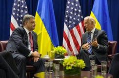 Petro Poroshenko et Joe Biden Images libres de droits