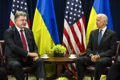 Petro Poroshenko et Joe Biden Photos libres de droits