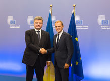 Petro Poroshenko och Donald Tusk Fotografering för Bildbyråer