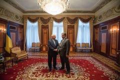 Petro Poroshenko y presidente de Israel Reuven Rivlin Imagen de archivo libre de regalías