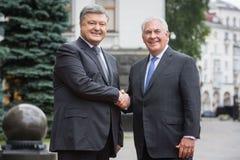 Petro Poroshenko y Rex Tillerson Foto de archivo libre de regalías
