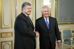 Petro Poroshenko y Rex Tillerson Fotos de archivo libres de regalías