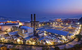 Petrochemical industrial plant at night Stock Image