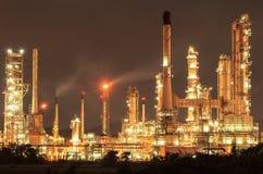 Petrochemische installatie, Raffinaderij royalty-vrije stock afbeelding