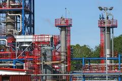 Petrochemische installatiebouwwerf Stock Foto's