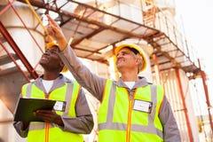 Petrochemische Mitarbeiter Lizenzfreie Stockfotos