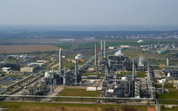 Petrochemische Raffinerie Stockfoto