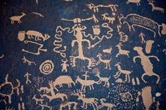 Petroglifi alla roccia del giornale Fotografie Stock Libere da Diritti