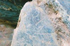 Petroglifo antiguo de la roca en las montañas de Altai imagenes de archivo