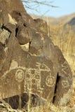 Petroglifos de Jornada Mogollon en el sitio del petroglifo de tres ríos Imágenes de archivo libres de regalías