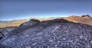 Petroglyph βράχου ουρανού φιλμ μικρού μήκους