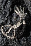 Petroglyph av handen Royaltyfri Foto