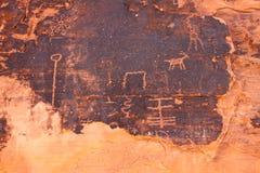 Petroglyphen am Tal des Feuers - Nevada lizenzfreie stockbilder