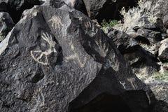 Petroglyphen von den Designen gemacht von den Händen lizenzfreie stockfotos
