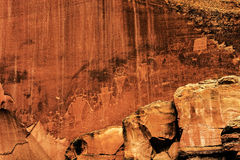 Petroglyphs ή γλυπτικές βράχου στο εθνικό πάρκο σκοπέλων Capitol, Γιούτα Στοκ Φωτογραφίες