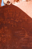 Petroglyphs στο βράχο Atlatl στην κοιλάδα του κρατικού πάρκου πυρκαγιάς Στοκ Εικόνα