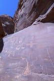 Petroglyphs na parede de garganta foto de stock royalty free