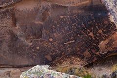 Petroglyphs på tidningen vaggar, förstenades skogen, Arizona Fotografering för Bildbyråer