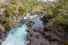 Petrohue flod nära Puerto Varas, Chile Royaltyfria Bilder