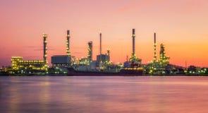 Petrokemisk växt Arkivfoto