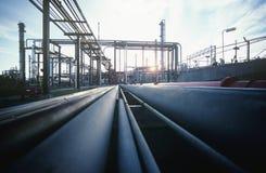 Petrokemiskt oljeraffinaderi Fotografering för Bildbyråer