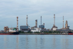 Petrol power plant water front Royalty Free Stock Photography