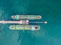 Petroleiro de óleo, petroleiro do gás no mar alto Carga s da indústria da refinaria Fotografia de Stock