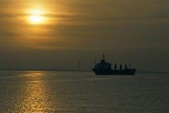 Petroleiro na porta Imagem de Stock Royalty Free
