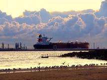 Petrolero en la salida del sol Fotografía de archivo libre de regalías