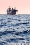 Petroliera in mare fotografie stock