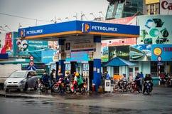 Petrolimex加油站在胡志明市,越南 免版税库存照片