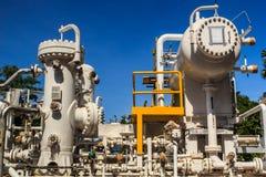 Petrolio di produzione del carro armato di industria della raffineria Fotografie Stock Libere da Diritti