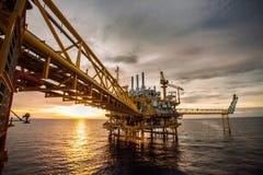 Petrolio e piattaforma dell'impianto di perforazione Fotografia Stock Libera da Diritti