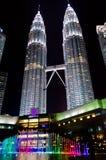 Petronas bliźniacza wieża przy nocą (KLCC) Fotografia Stock