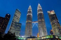 Petronas góruje obrazy stock