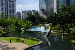 Petronas KLCC parkerar i Kuala Lumpur Royaltyfri Bild