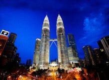 Petronas står hög Arkivfoto