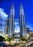 Petronas står hög i HDR Arkivfoto