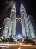 Petronas står högt i Malaysia Fotografering för Bildbyråer