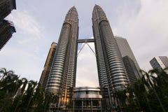 Petronas står högt Malaysia Arkivbilder